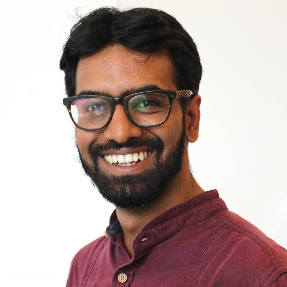 Akash Headshot.JPG