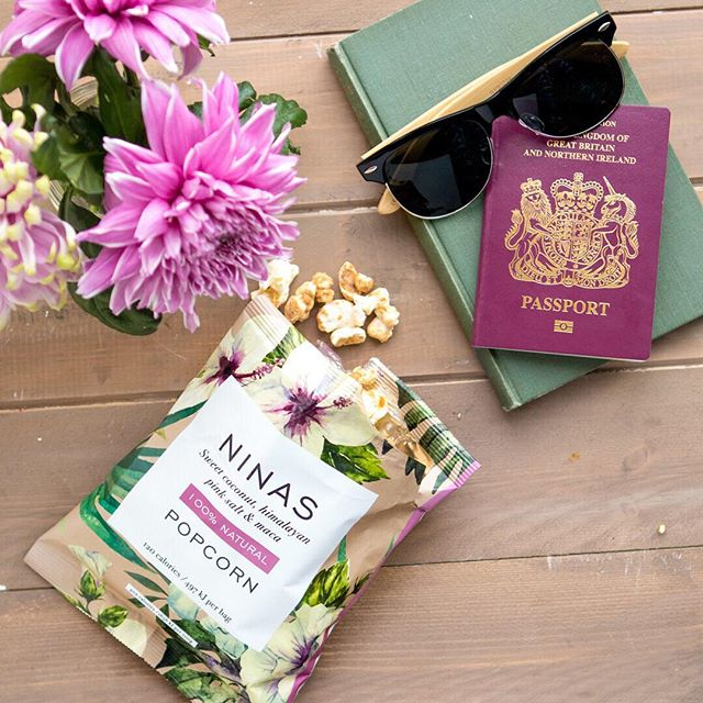 Who's getting away for Easter? We'd love to hear where you're jetting off to?... and don't forget your plane snacks! #ninaspopcorn #planesnacks #easterbreak #eastertreats #weekendbreak