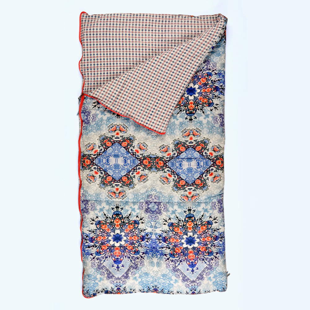 Geo Dreaming Sleeping Beauties single and longer length sleeping bags