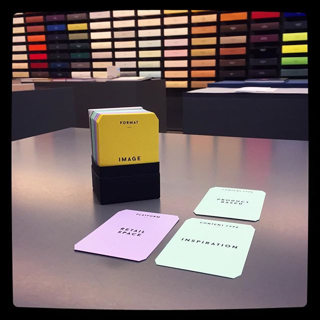 Filling retail space with inspirational product based ideas and events. Nice work @gfsmithpapers #gfsmithshowspace #contentstrategy #colorplan #kernelcards