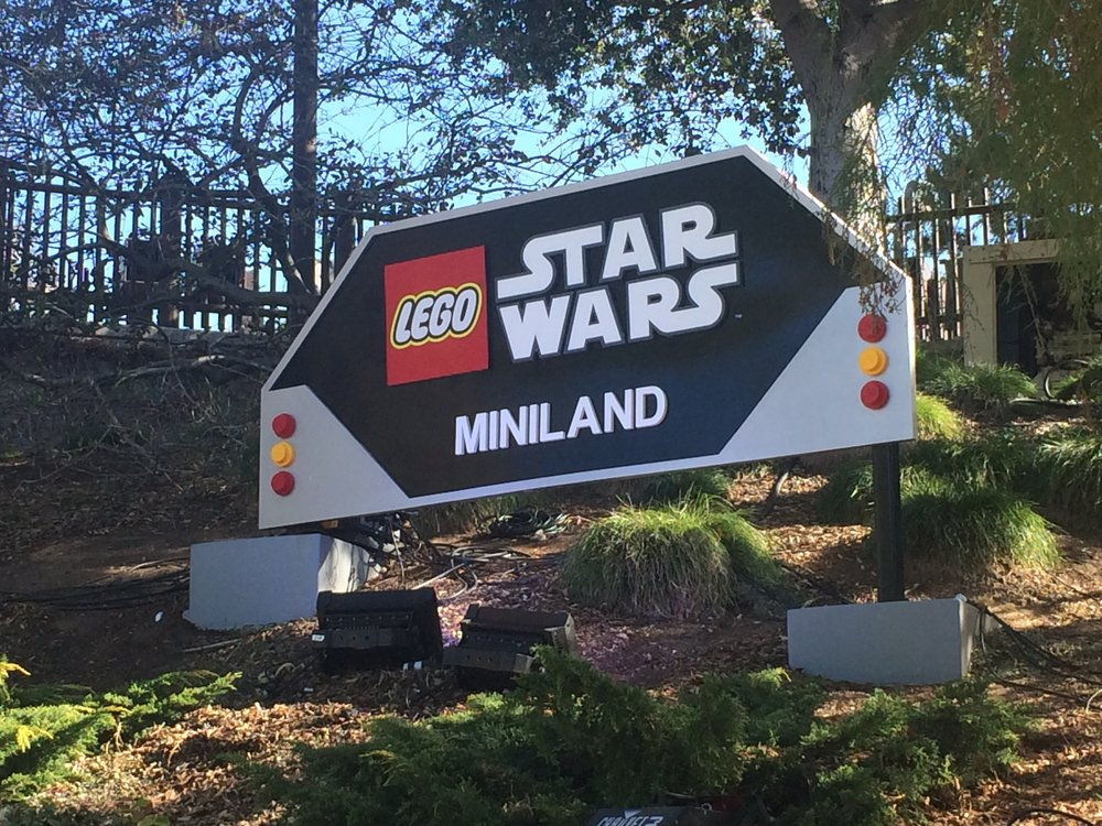 Star Wars Miniland Legoland California - whatthegirlssay.com
