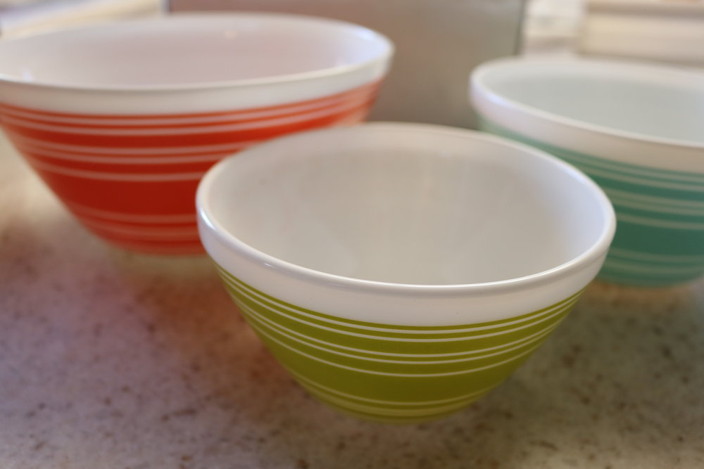 Pyrex Mixing Bowls Review - whatthegirlssay.com