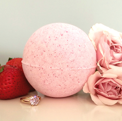 Pearl Bath Bomb Review - whatthegirlssay.com
