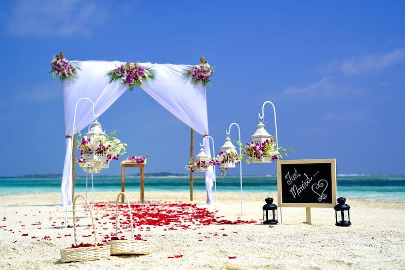 beach wedding venue questions to ask your venue