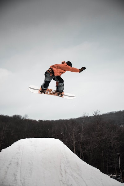 snowboard clothes to wear on a winter getaway