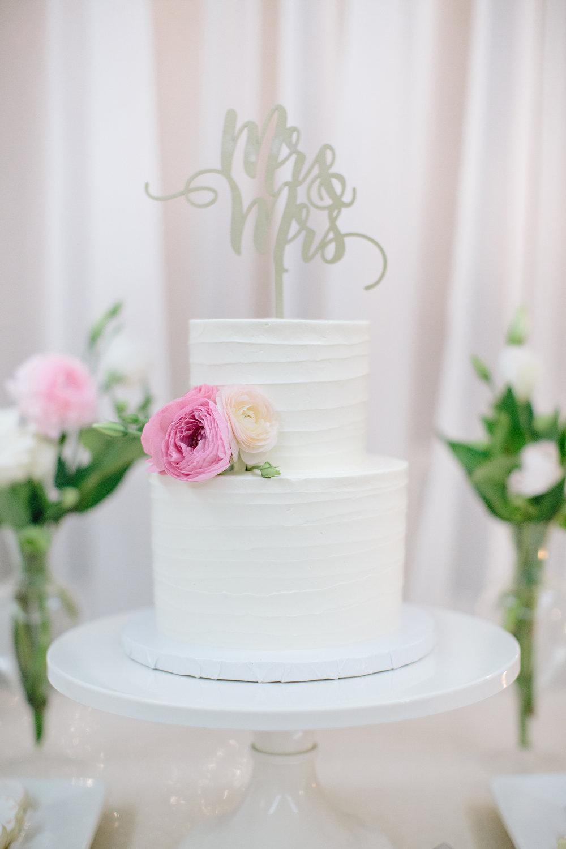 Kelowna Wedding Cake Reception White Floral.jpg