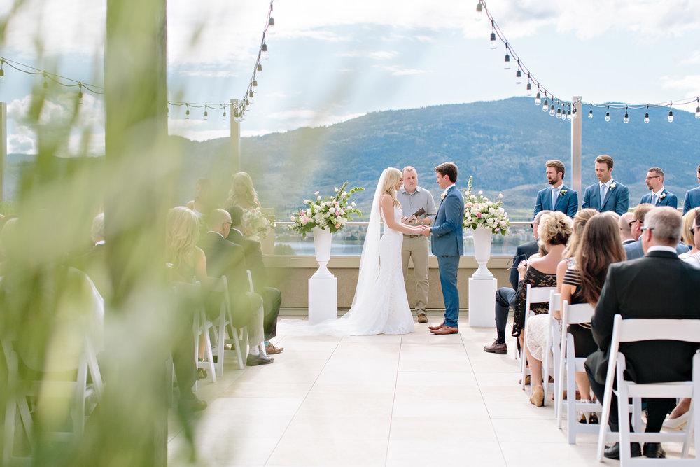 Spirit Ridge Ceremony Okanagan Osoyoos Bride Groom Floral White Pink Greenery.jpg