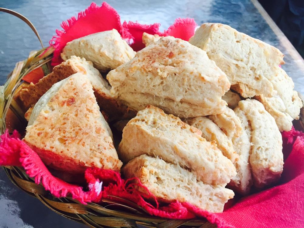 Limin biscuits in basket.jpg