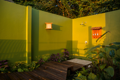 Lapa-Rios-Costa-Rica-outside-shower-531-500w.jpg