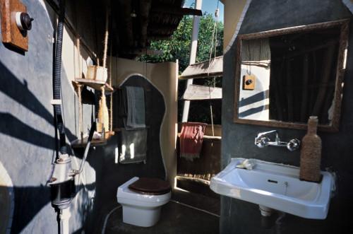Chumbe-Island-Tanzania-Compost_toilet_Monolo_Yllera-500w.jpg