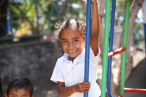 Jicaro Island Ecolodge sponsor daily milk for school children's health