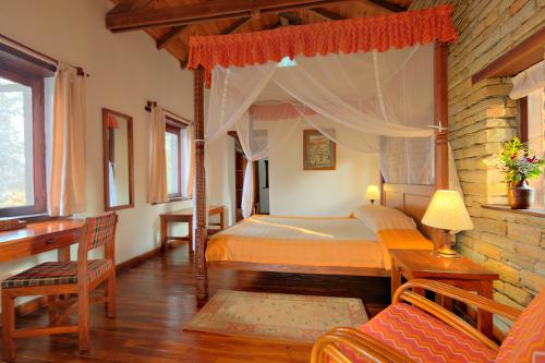 Nepal Tiger Mountain Pokhara Lodge - room interior