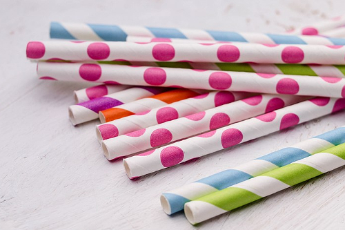Bright colorful paper straws www.flickr.com-people/30478819@N08-500x333