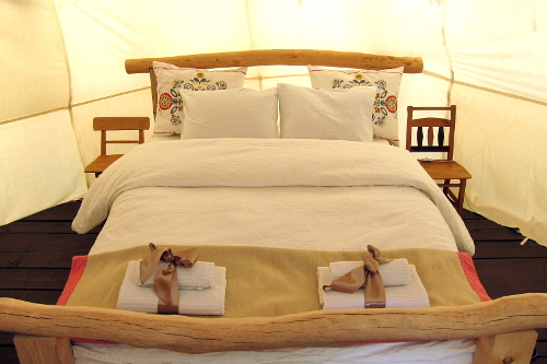 Linden Tree Retreat Ranch tipi bed