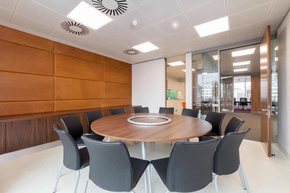 meetingroom (5).jpg