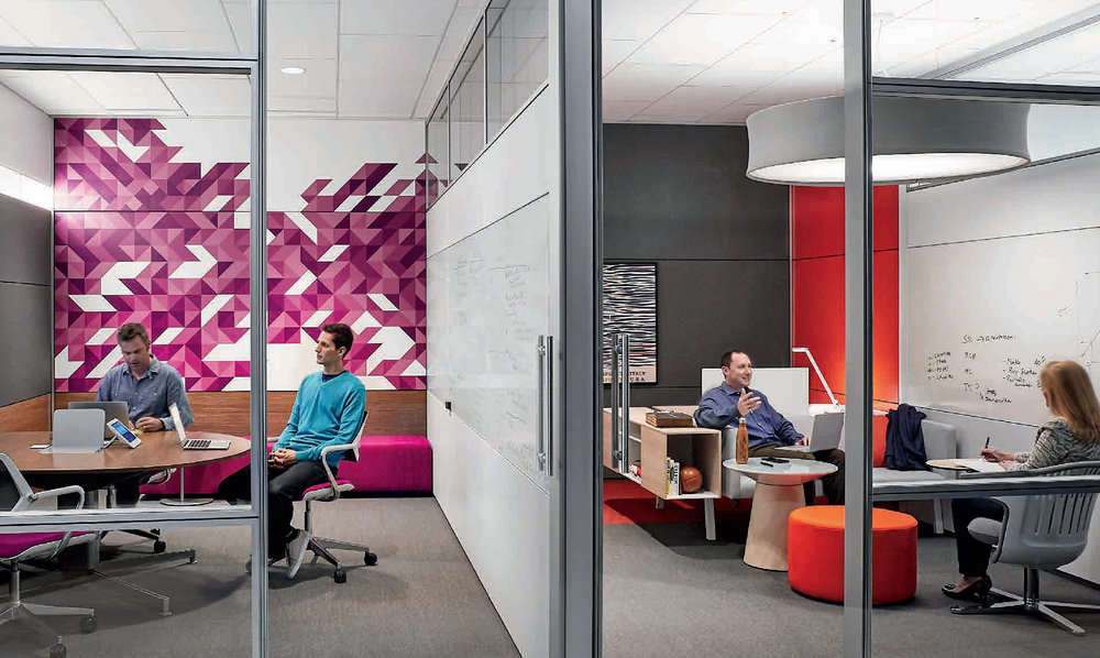 Steelcase is a global enterprise and the executive team is distributed across continents, regularly travelling between locations. The team is able to connect both physically and virtually in the office through immersive technology experiences that are integrated throughout the floor plan.