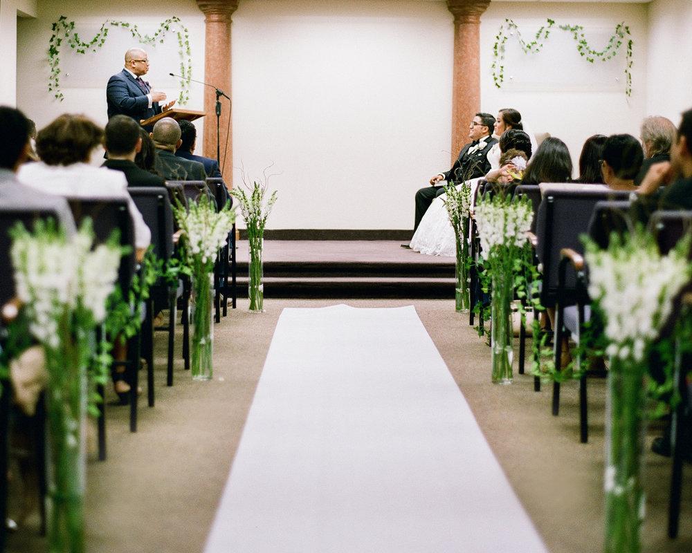 13_jw-wedding-at-the-kingdom-hall.jpg