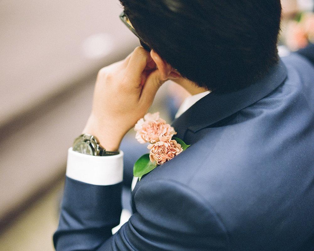 15_wedding-button-hole-flower.jpg