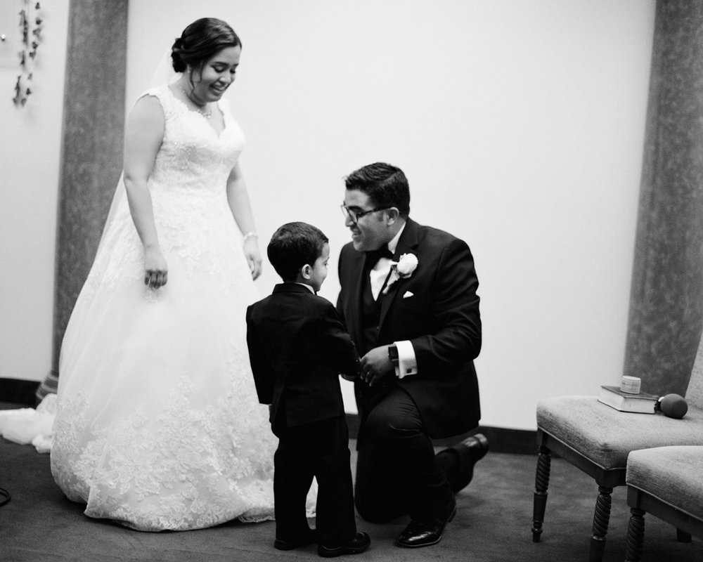 23_wedding-ring-bearer-photography.jpg