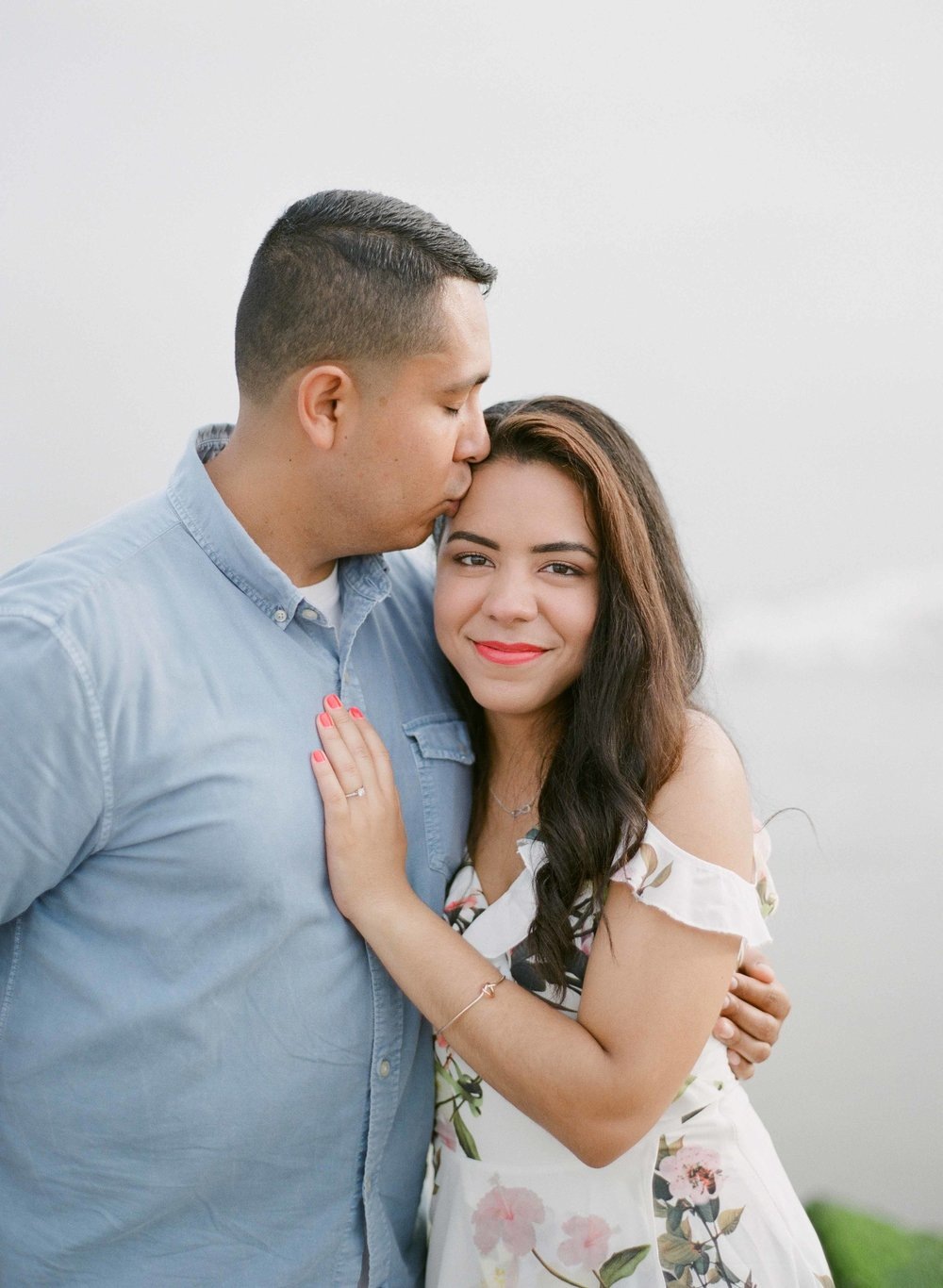 06_coney-island-beautiful-engagement-session.jpg