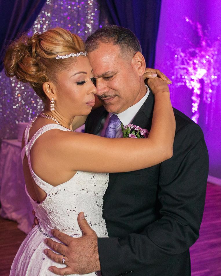 04_First-dance-wedding-nyc-photographer.jpg