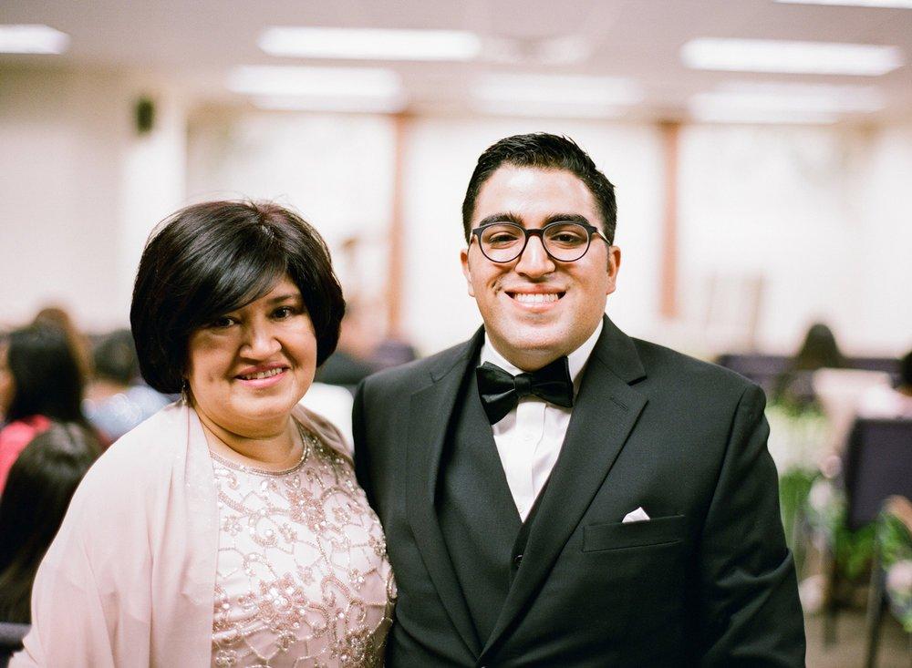 01_wedding-groom-mother.jpg