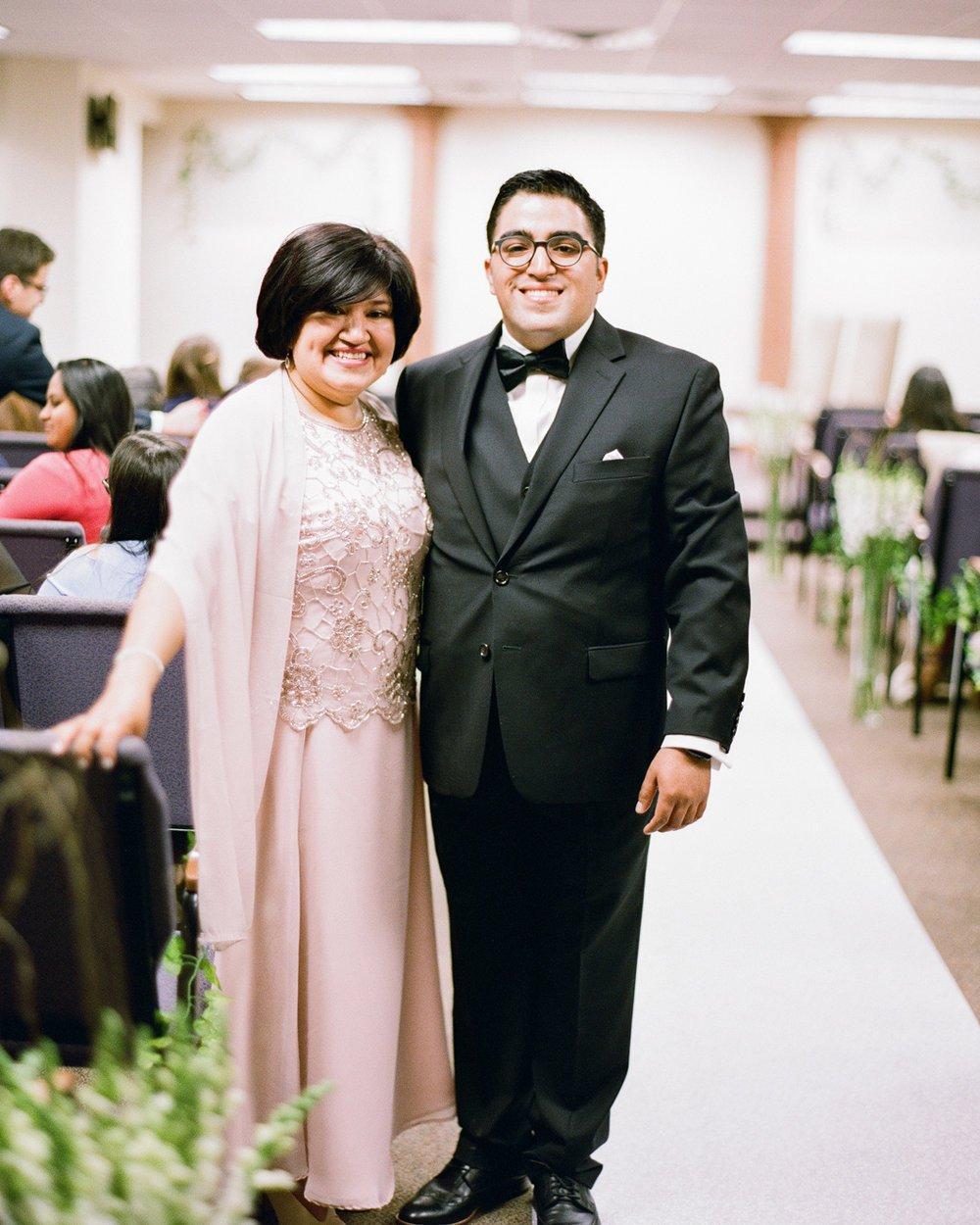 02_wedding-mother-groom-portrait.jpg