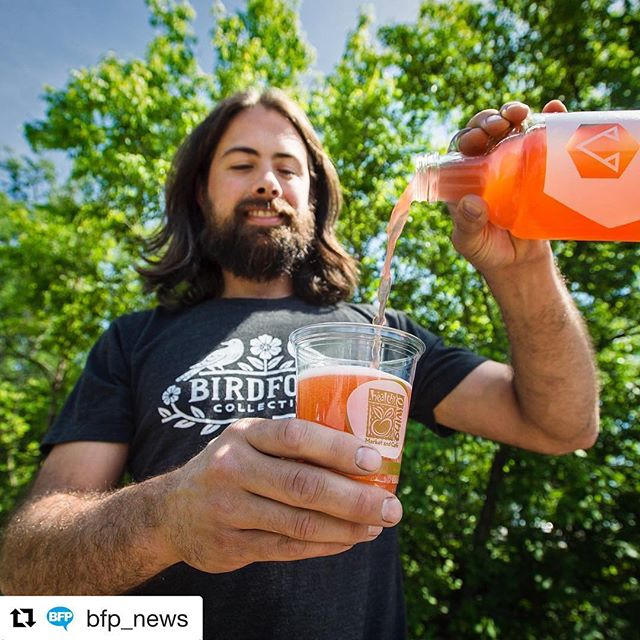 #Repost @bfp_news (@get_repost) ・・・ Ryan Miller makes kombucha from honey at @apishoneykombucha in New Haven. He spoke during his weekly delivery to Healthy Living in South Burlington on Thursday, June 15, 2017. Learn more at BurlingtonFreePress.com (link in bio). #bees #honey #kombucha #vt