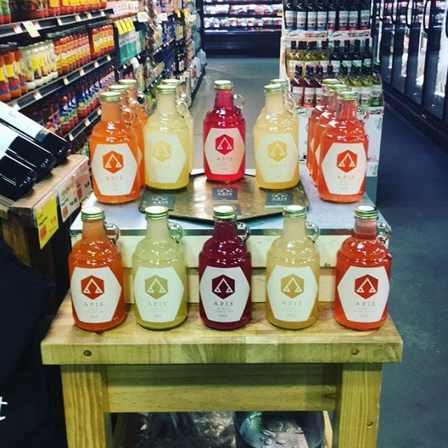 Tasting @citymarketcoop! Please come and chat me up. Questions about honey Kombucha? Answers are free flowing today! #ambrosiainvt #immunityinabottle