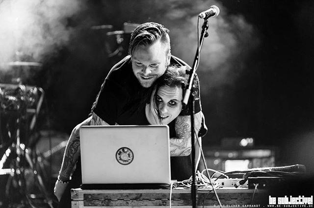 Auburn Hills 🌹 Join @williamcontrol & @theneuromanticboys for a dance. 1:30 • Skullcandy Stage. 📷 @besubjective … #williamcontrol #neuromanticmovement #neuromanticboys #ashestoangels #ashesfamily #crillyashes #b🌹ys #vanswarpedtour #warpedtour #bandsarelife #darkwave