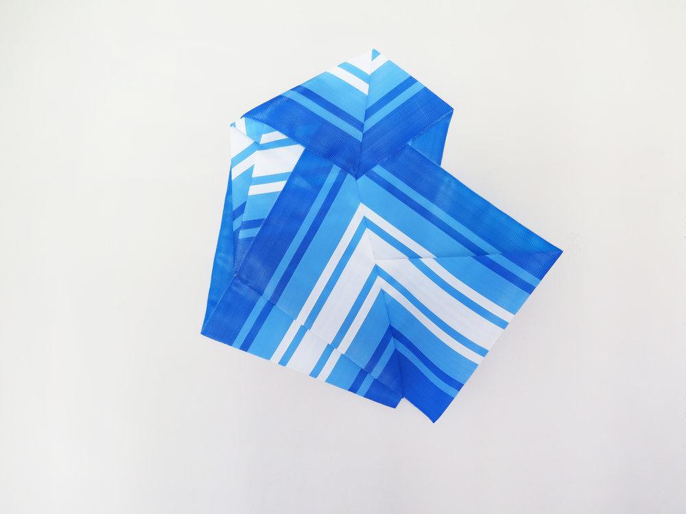 untitled, Samba, 2018, nylon band, 70 x72 cm