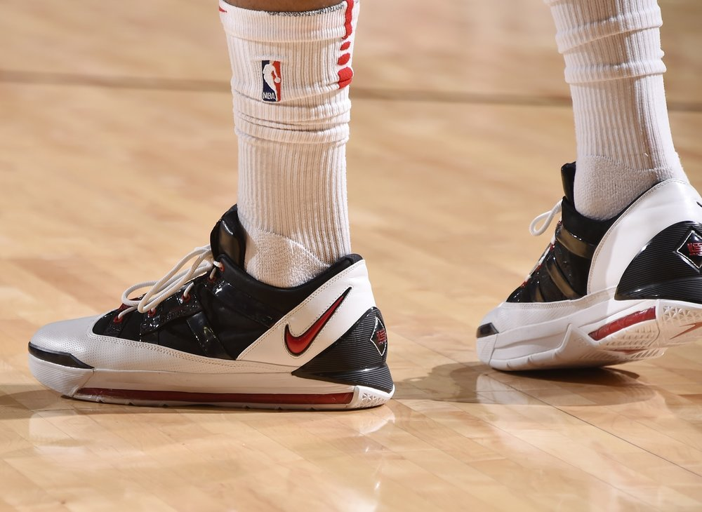 PJ Tucker, Nike LeBron III Low