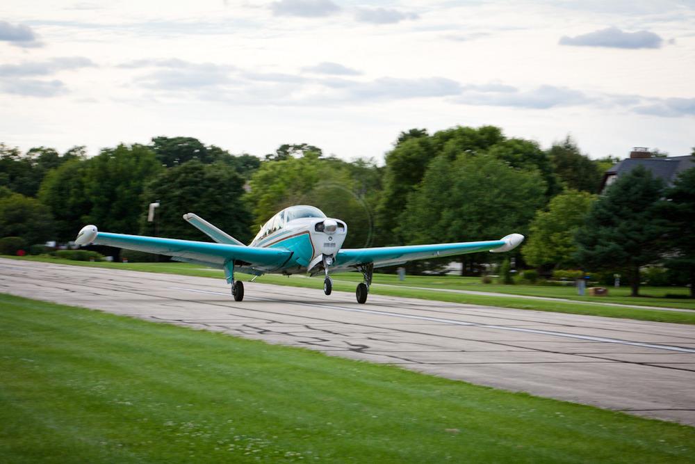 v-tail taking off.jpg