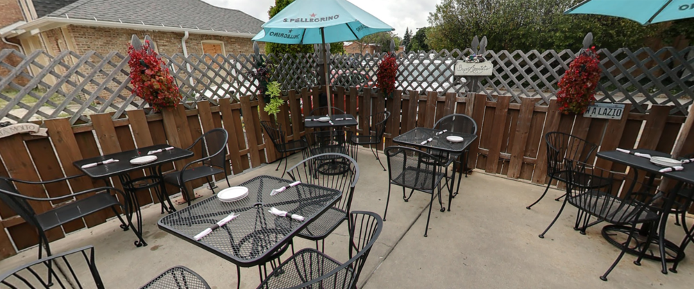 OUTDOOR SEATING AVAILABLE   (CLICK THE PICTURE TO TAKE A TOUR!)