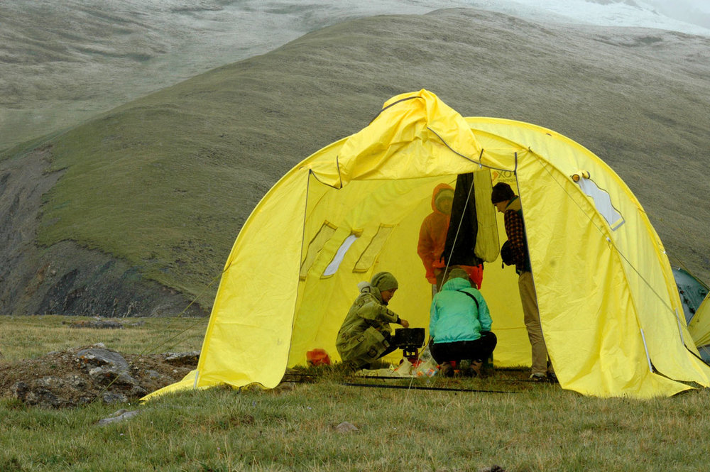 If your group is large enough, you can rent a tent like this – it is quite comfortable to cook, have a dinner or just spend time together.  Photo: Azamat Imanaliev