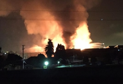 The conflagration as seen from the corner of Linden & 40th (courtesy: Diane Lynn)