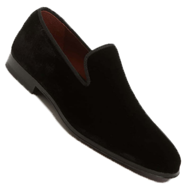 Velvet Loafer - Less formal than patent leather, but statement footwear no doubt. Velvet loafers look best with a velvet or patterned dinner/smoking jacket.