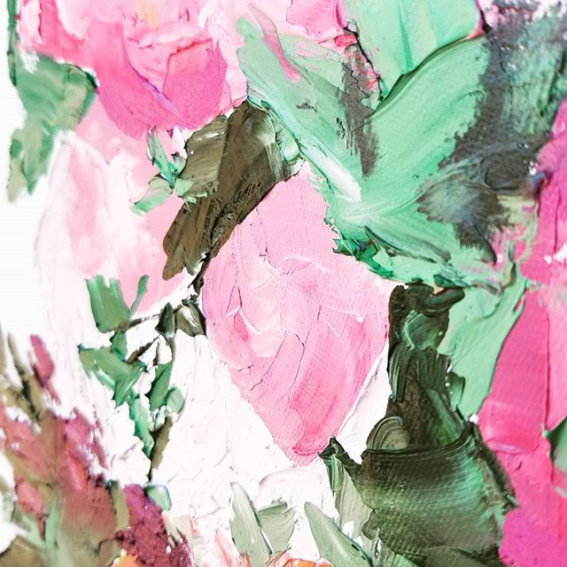 Im in love with this style.  I've been wishing I could do it for months and finally tried it again after studying pictures forever.  Abstract flowers with oil are my new favorite thing.  #oilpaint #paint #painting #flowers #floral #flowerspainting #abstract #abstractart #abstractflowers #abstractoilpainting #texture #peony #peonies #leaves #lilac #bouquet #floralarrangement #canvas #palletknife #bloomingintherough #art #artistsofinstagram