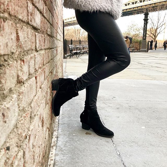 Faux leather leggings, all day, everyday. Anyone else with me on this one?! 🙋🏽‍♀️ If you didn't catch my blog post from Friday, I've featured 4 affordable pairs of leather leggings, all under $35!  My favorite pair is just $16 from @targetstyle ! With this nasty winter weather sticking around, there's still plenty of time to rock these cuties! . . . . . . #budgetblog #budgetstyle #budgetblogger #budgetshopper #budgetfriendly #brooklynblogger #nycblog #nycblogger #frugalblog #frugalista #frugalfinds #frugalblogger #maxxanista #stylesavings #pennypincher