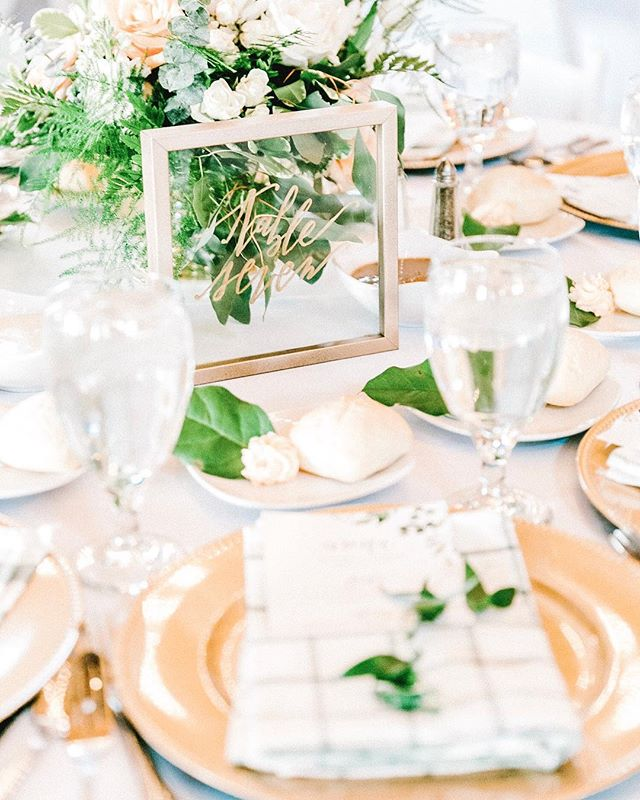 Sharing frugal details from our wedding today on the blog! Table settings are critical to the design of any reception. The unique elements I added came out to just an extra $2 per setting! Tune into the post to see how I saved some major cash through crafting the table designs myself! Link in bio. #budgetwedding #moneysavingtips #brideonabudget #tablesetting