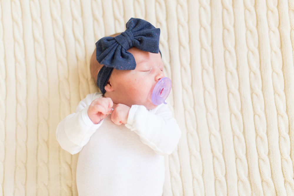 Olivia-one month-2.jpg
