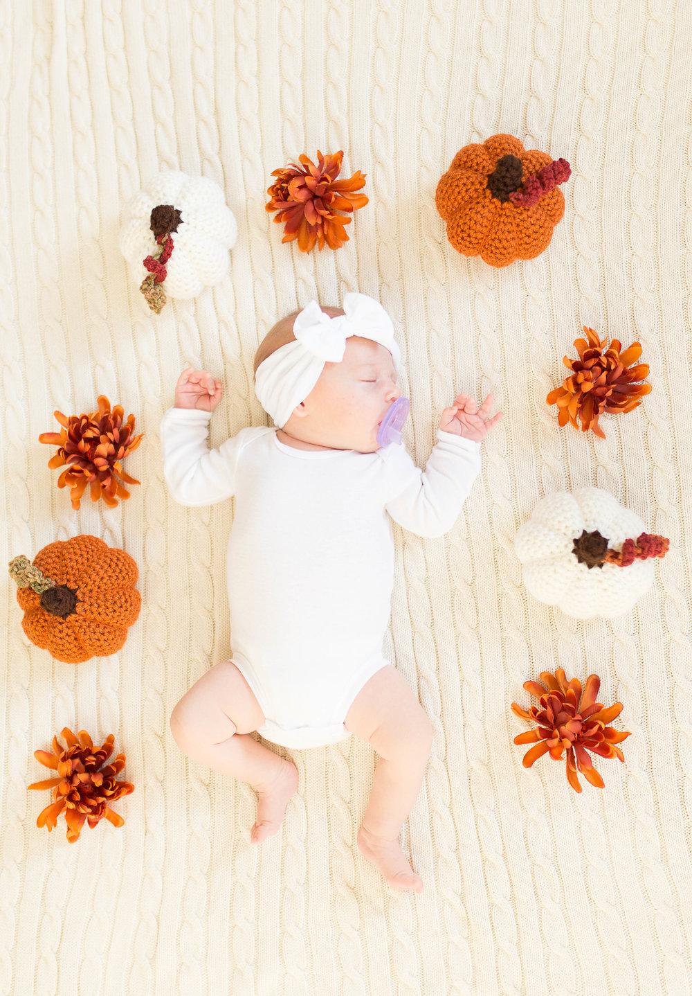 Olivia-one month-6.jpg