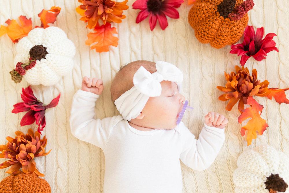 Olivia-one month-9.jpg