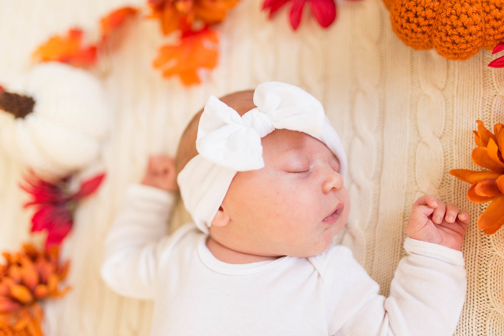 Olivia-one month-14.jpg