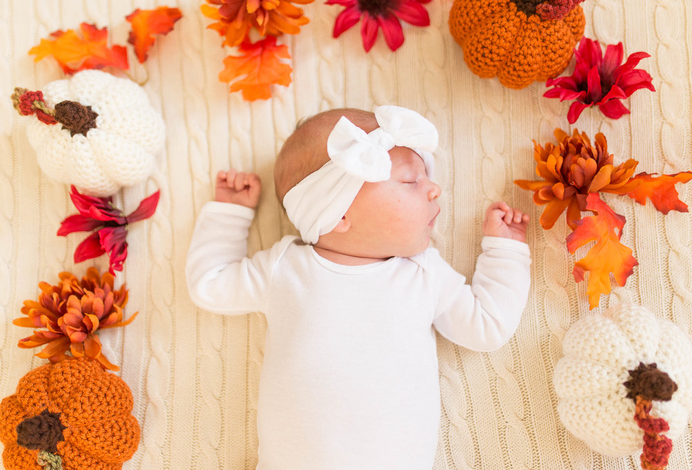Olivia-one month-15.jpg