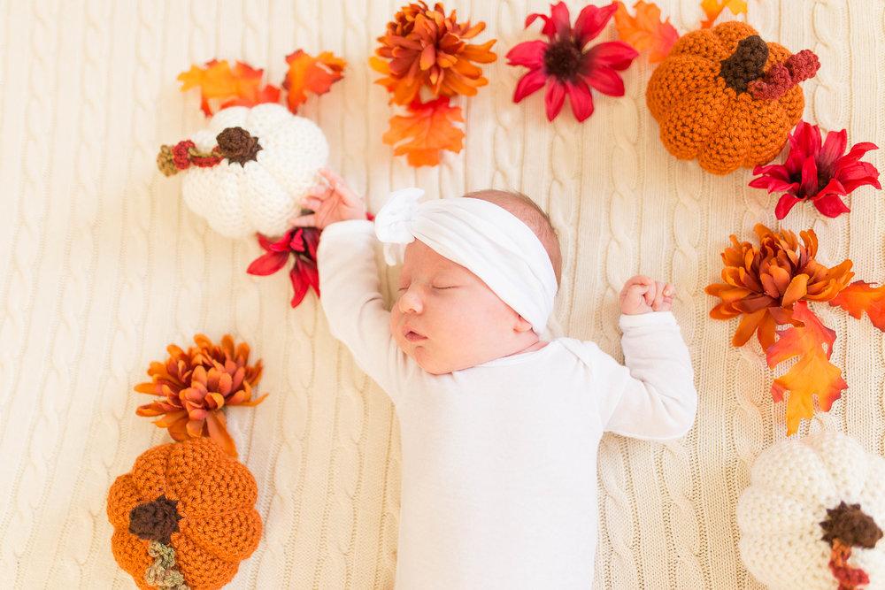 Olivia-one month-17.jpg