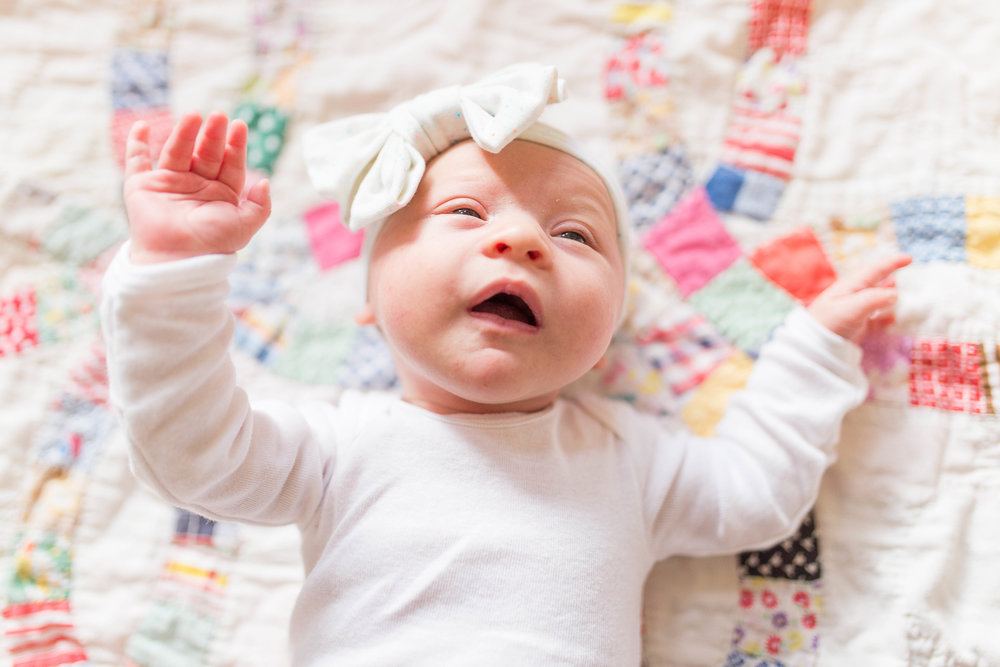 Olivia-one month-34.jpg