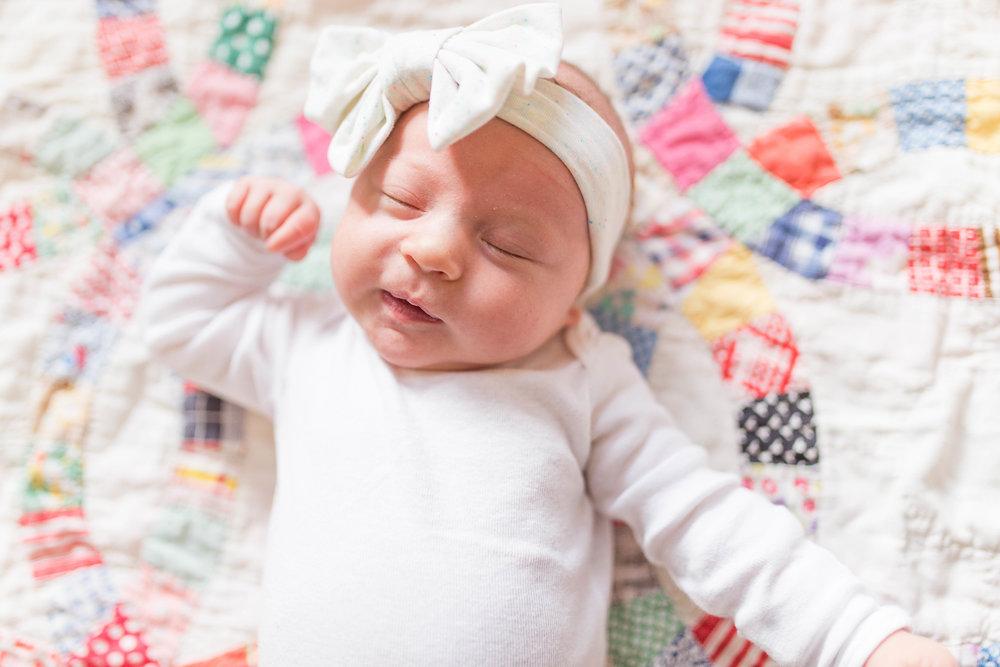 Olivia-one month-35.jpg