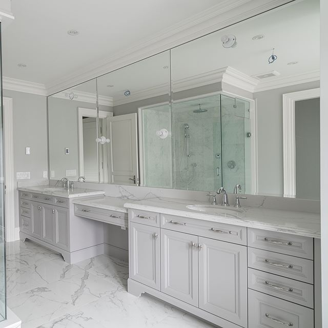 Clean and Spacious 🛁 _____________________  Jobsite/Project: kingstationhomes King City •► Come and visit our 8000sqft model homes in King City. Call for appointment •► #kingstationhomes •► #customhomes #interiordesign #woodworking #bedroom #landscapedesign #luxuryhome #luxuryhouse #designer #homedecor #dreamhome #construction #architecture #wallpaper #hardwood #builders #kitchen #plumbing #electrical #crownmolding #renovation #custombuilder #remodeling #homebuilder #homebuilders