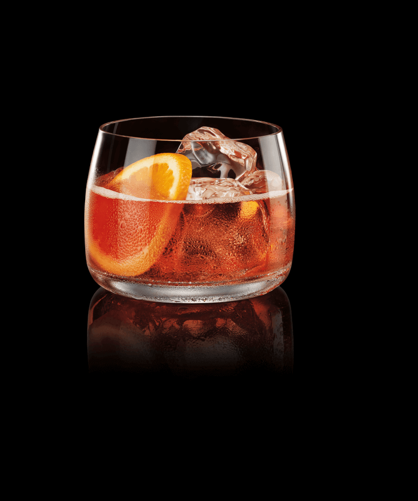 THE STORM - INGREDIENTS1 1⁄2 parts D'USSÉ VSOP Cognac1⁄2 part triple sec1⁄2 part grenadine1 part cranberry juice1 part ginger beer (or ginger ale)INSTRUCTIONSBuild first four ingredients in a rocks glass over ice and top with ginger beer.
